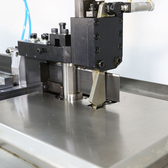 Operación fácil Auto Steel Rule CNC Bender Machine Price